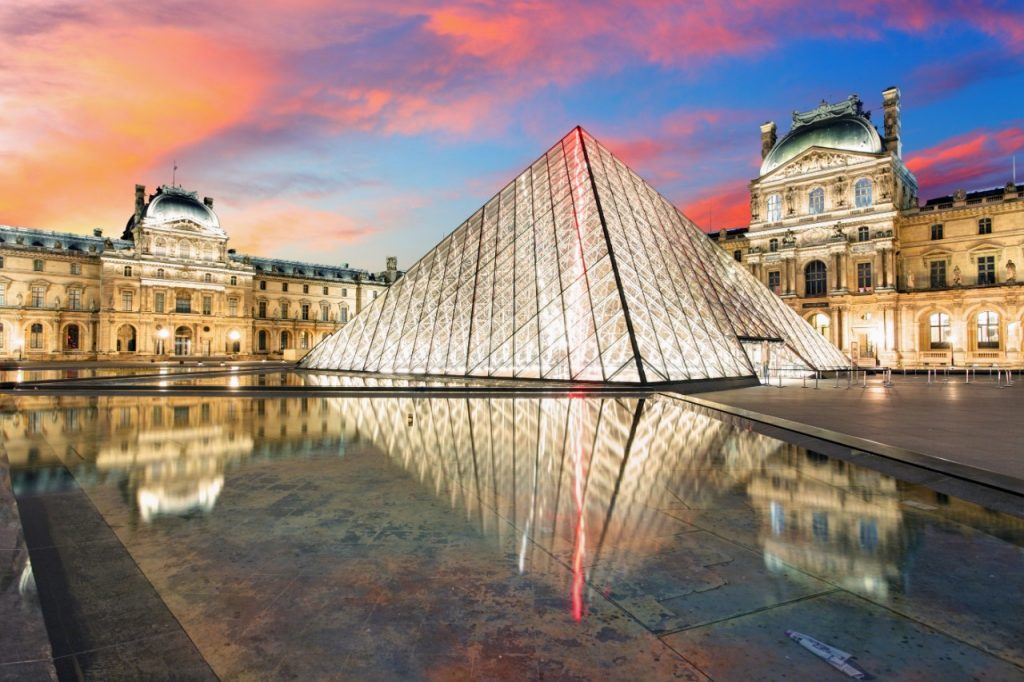 Visit the Louvre Museum virtually